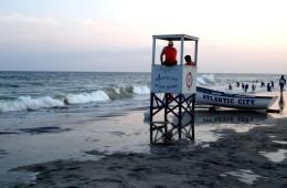Väljaheidetega hotellist vahustesse ookeanilainetesse möllama