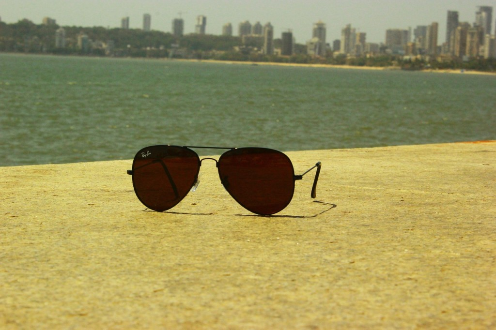 sunglasses-390872_1280