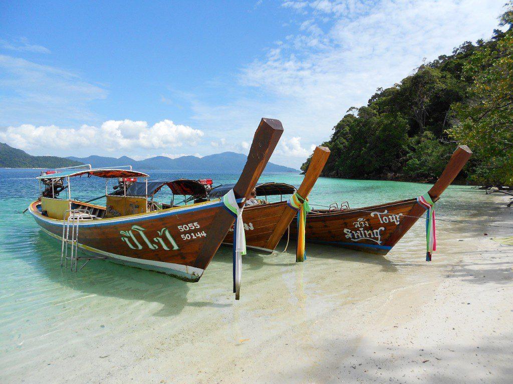 boats-854450_1280