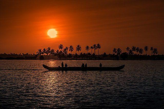 sunset-1139293_640