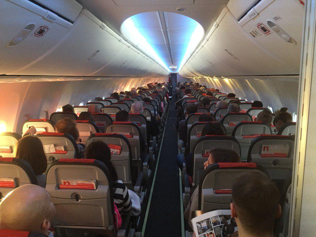 Norwegian_Boeing_737-800_cabin_Sky_Interior