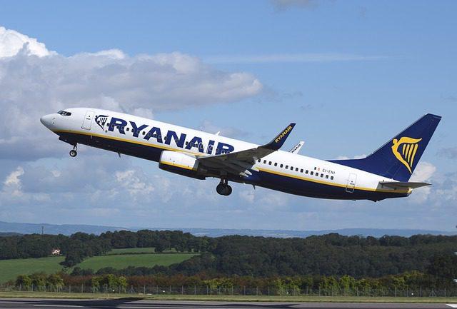 airplane-744876_640