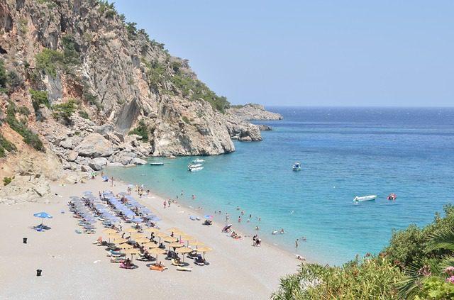 beach-882792_640