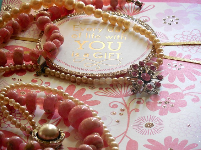 jewelry-907777_640