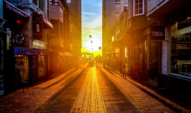 city-people-street-sun