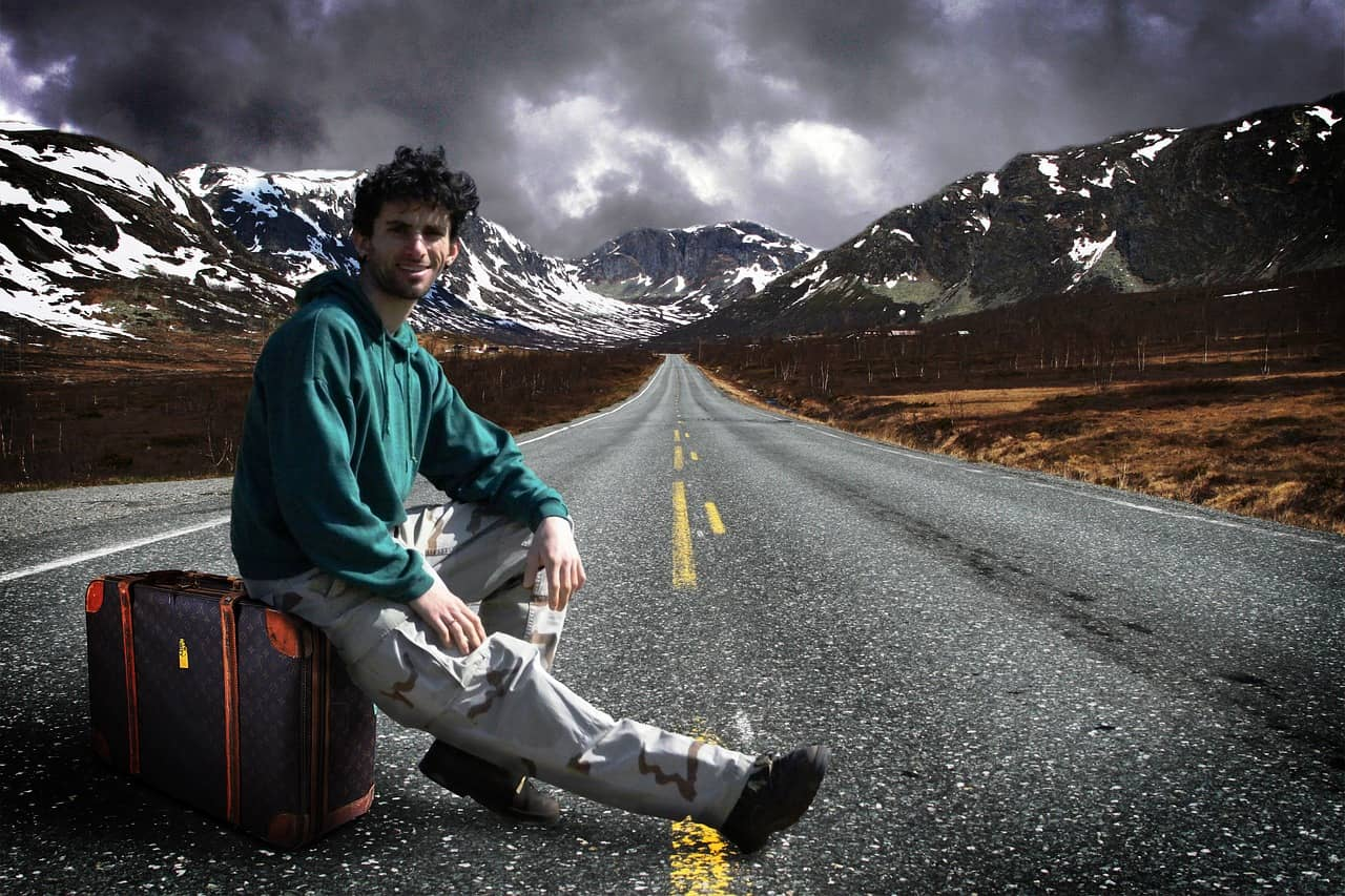 hitchhiker-706505_1280-min