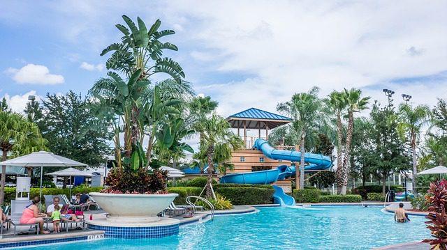 resort-981750_640
