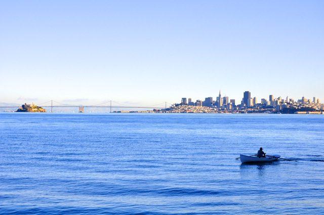 sea-city-skyline-ocean