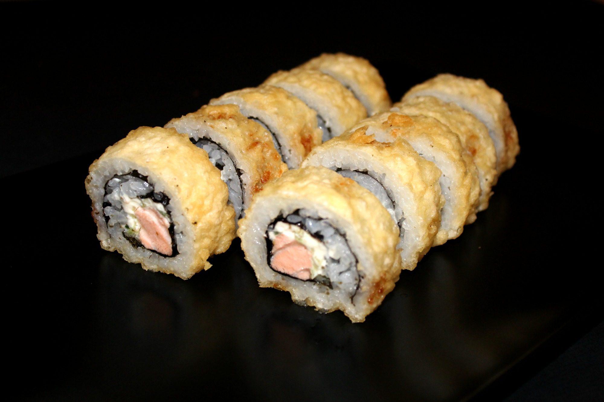 küpsetatud sushi valmistamine