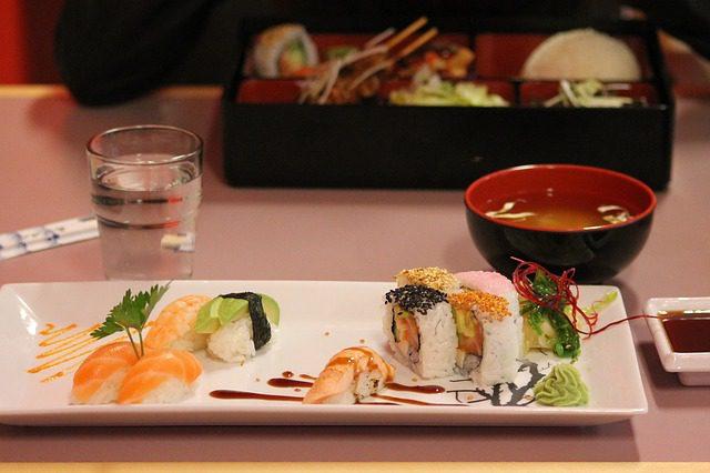 sushi-727244_640