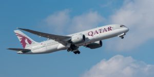 qatar_airways_boeing_787-8_dreamliner_a7-bco_muc_2015_02-min