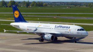 aircraft-1374709_1280-min