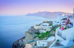 Kuidas osta odavad lennupiletid Santorini reisi jaoks?